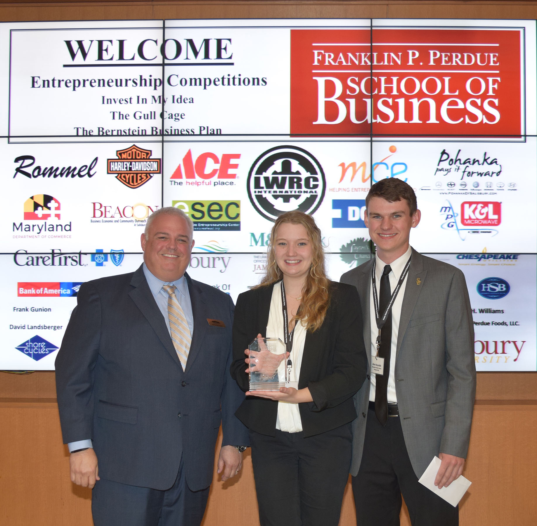Cambridge Intern Scores $20,000 Bernstein Business Award